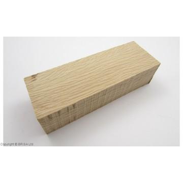 Mediena rankenai Holm Oak